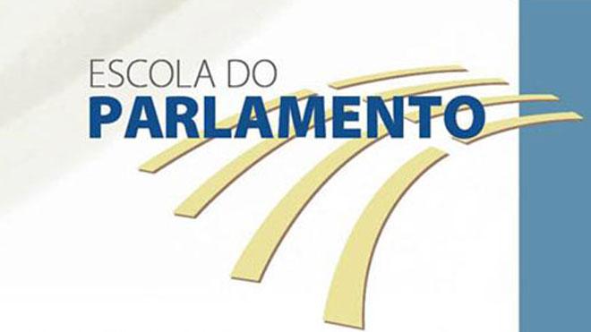 Escola do Parlamento promove debate sobre as rádios comunitárias em São Paulo
