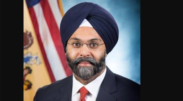 Locutores são afastados de rádio após se referirem a procurador-geral como 'homem de turbante', nos EUA