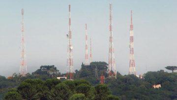 Jovem Pan FM, Rádio Banda B e Transamérica divulgam suas marcas nas ruas de Curitiba