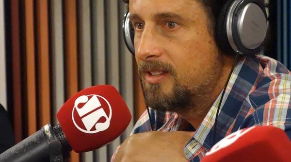 Painel tudoradio.com terá Felipe Xavier do Chuchu Beleza como convidado neste sábado (25)