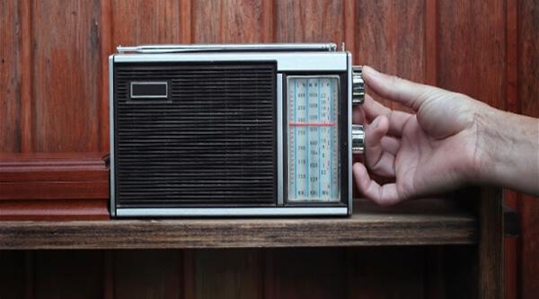 Mais da metade da população ouve rádio todo dia, diz Kantar Ibope